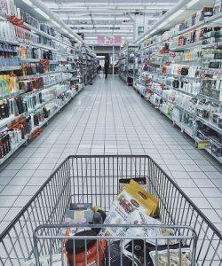 Lagerautomatisierung hinter großen Shops, wie dem Lebensmitteleinzelhandel.